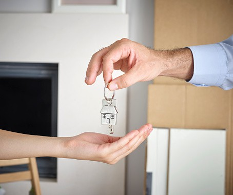 Giving Home Key - Erik Laine