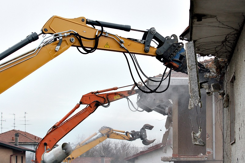 Things You Need to Know Before Hiring Demolition Specialists