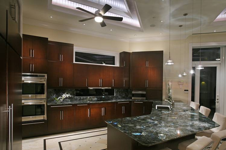 kitchen's granite lighting