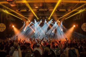 Dwayne Cross - A Room of Entertainment!