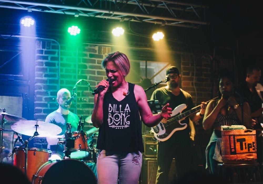 Singer Siobhan Mcfadyen-Singing