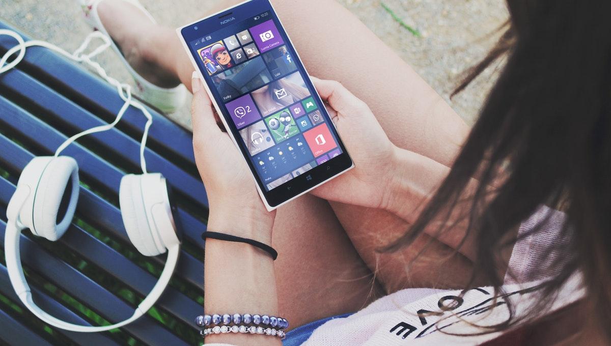 Mark McCool Sarasota - Nokia 9 PureView