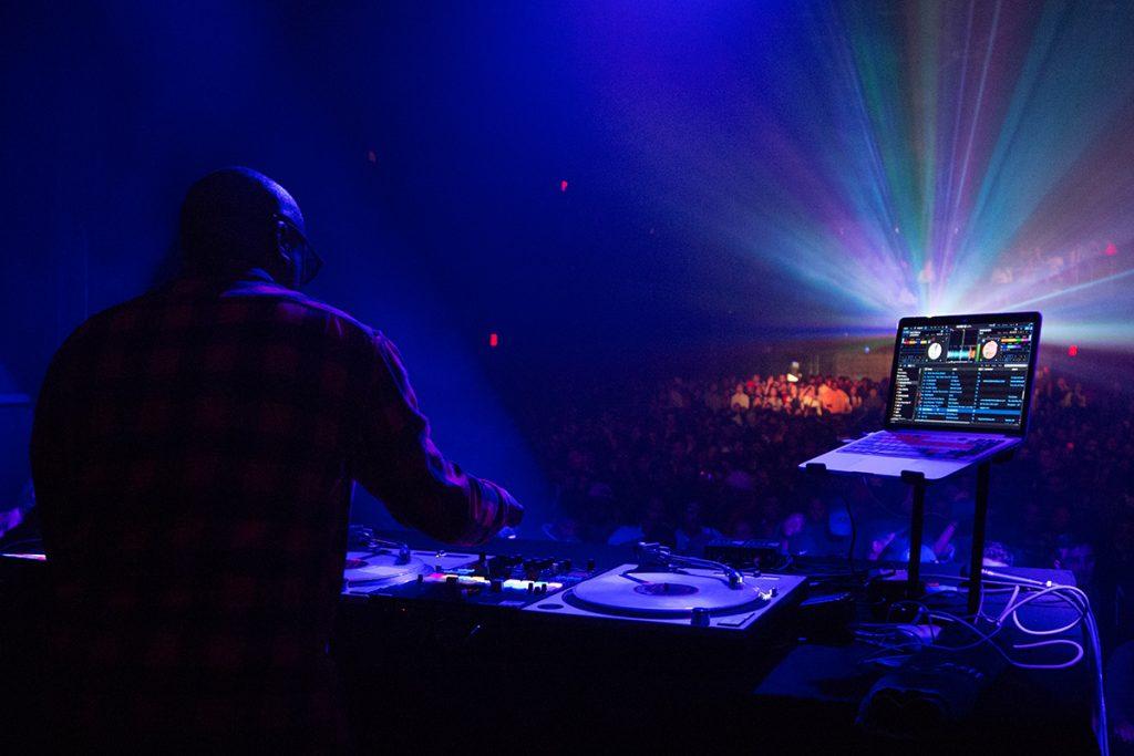 Professional DJ i