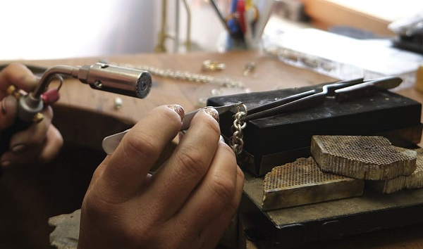 Fast Fix Cheap Jewelry Repairs Store