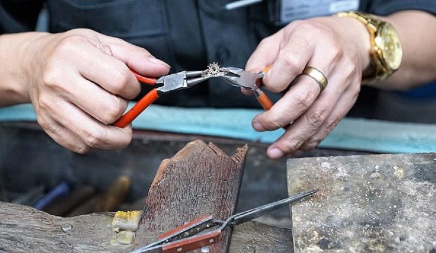 Expert Watch Repairs Store