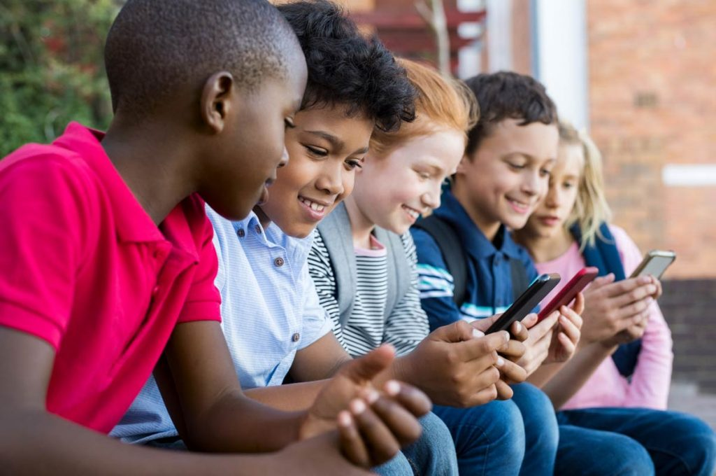 Use Spy App to Track Children Mobile