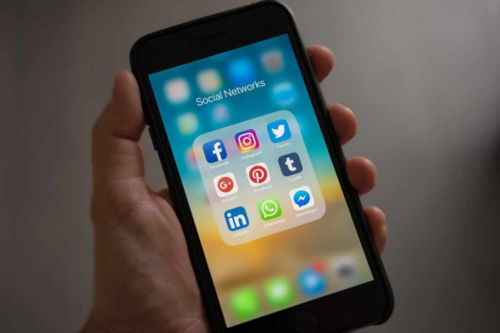 Social Media Alan Safahi