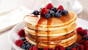 pancakes berries