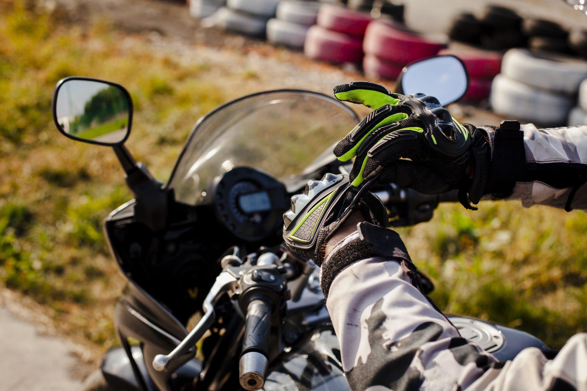 Kevlar motorcycle gloves