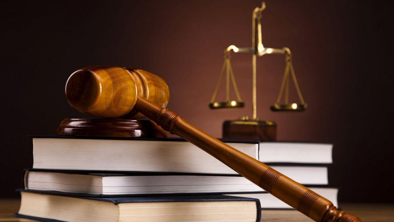 Court Judge - Carli Kierny